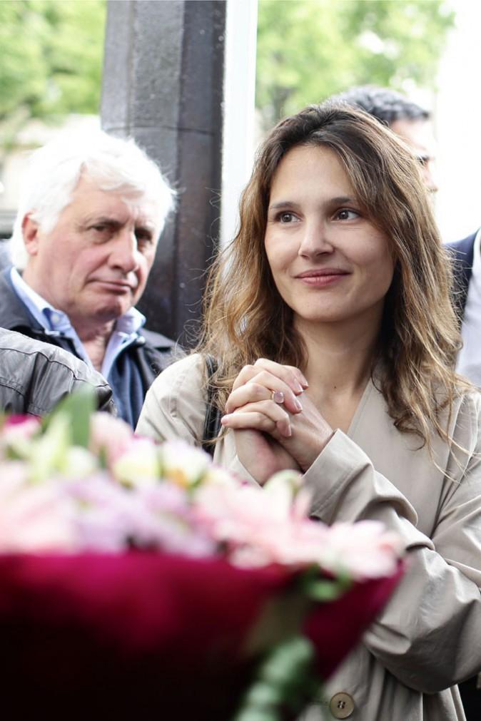 Virginie Ledoyen au marché Edgar Quinet de Paris avec Anne Hidalgo le 24 mai 2014