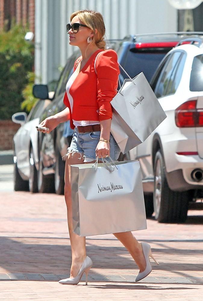 Photos : Hilary Duff fait son shopping chez Neiman Marcus