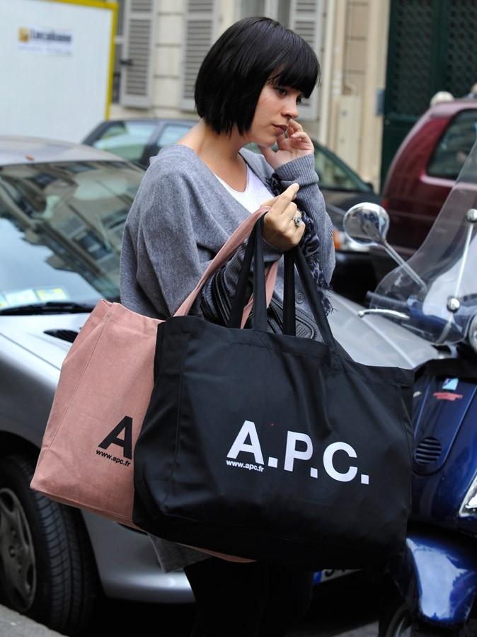 Photos : Lily Allen fait de la pub !