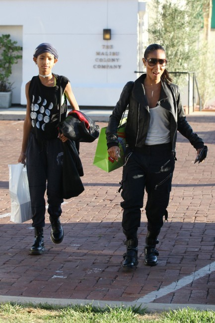 Willow Smith et Jada Pinkett le 16 octobre 2012 à Malibu