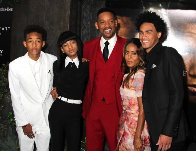 Willow Smith entourée de Jada Pinkett, Jaden et Will Smith le 29 mai 2013 à New York