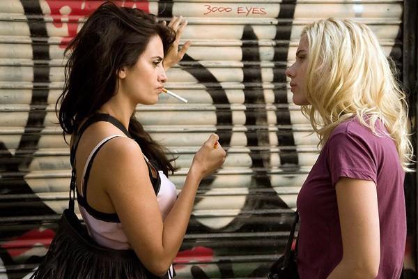 "Penelope Cruz et Scarlett Johansson dans ""Vicky Christina Barcelona"""