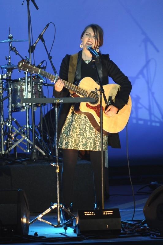 Joyce Jonathan en concert à la Bastille suite à la victoire de François Hollande, le 6 mai 2012.