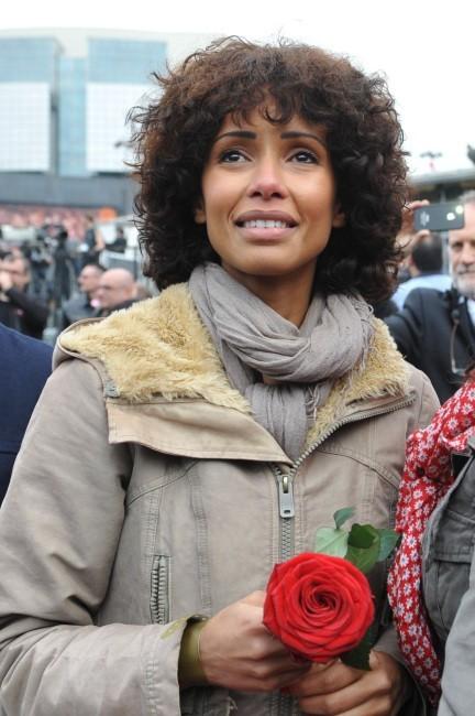 Sonia Rolland à la place de la Bastille pour célébrer la victoire de François Hollande, le 6 mai 2012.