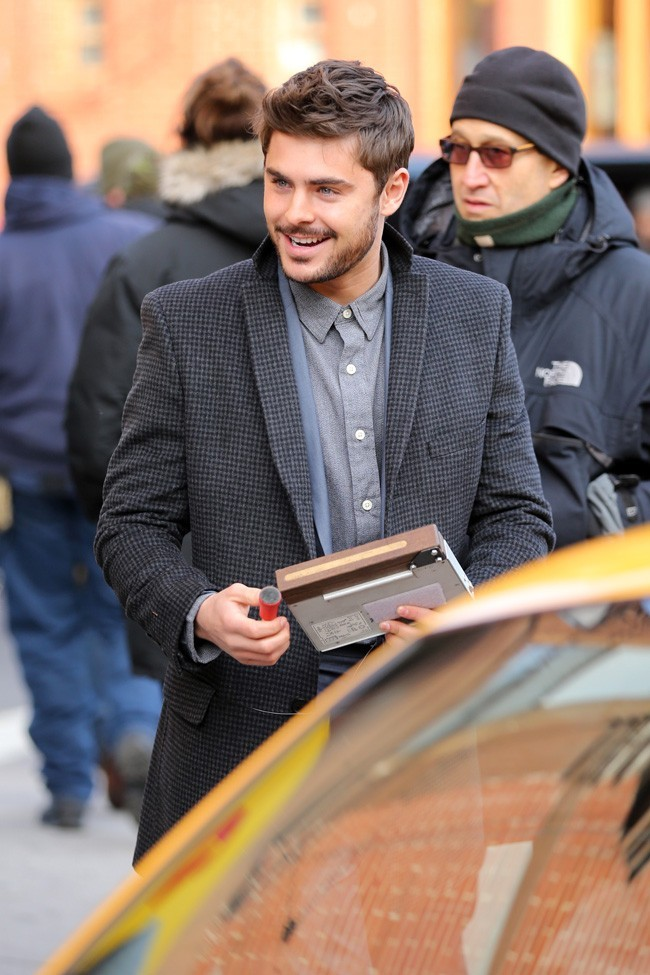 Zac Efron sur le tournage de Are We Officially Dating ? à New-York le 3 janvier 2013