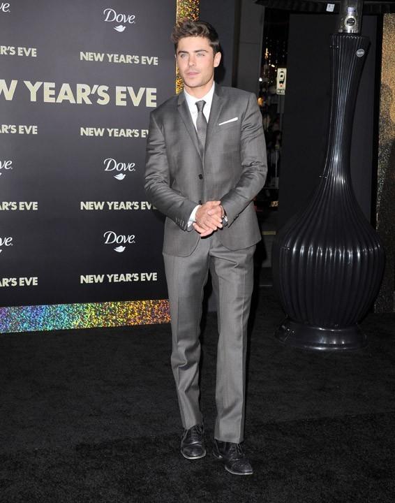 Zac Efron à la première d'Happy New Year hier à Los Angeles