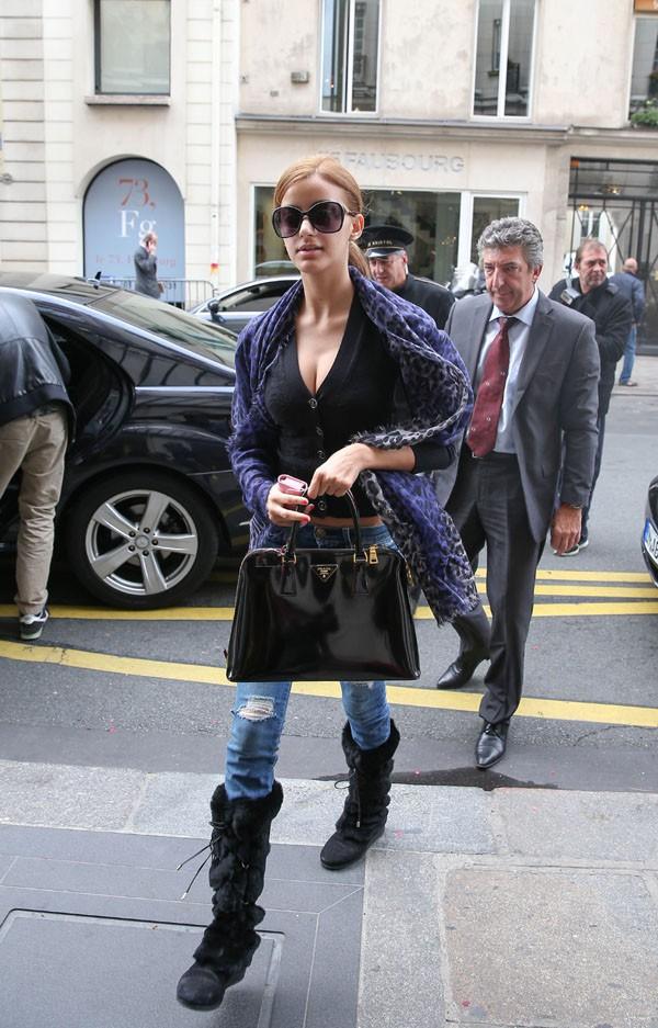 Zahia Dehar à Paris le 3 octobre 2013
