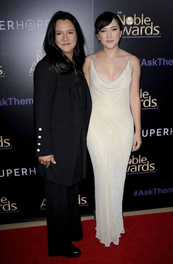 Photos : Zelda Williams : radieuse aux côtés de sa mère, l'engagement de son père honoré !