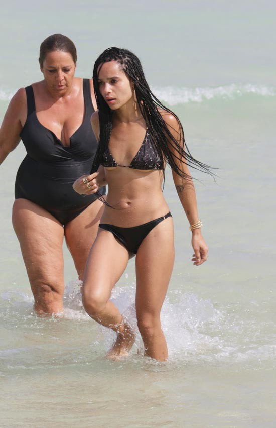 Zoe Kravitz à Miami le 7 mars 2015