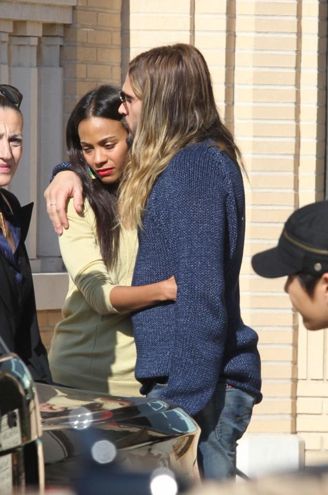 Zoe Saldana et son mari Marco Perego à Beverly Hills, le 22 décembre 2013.