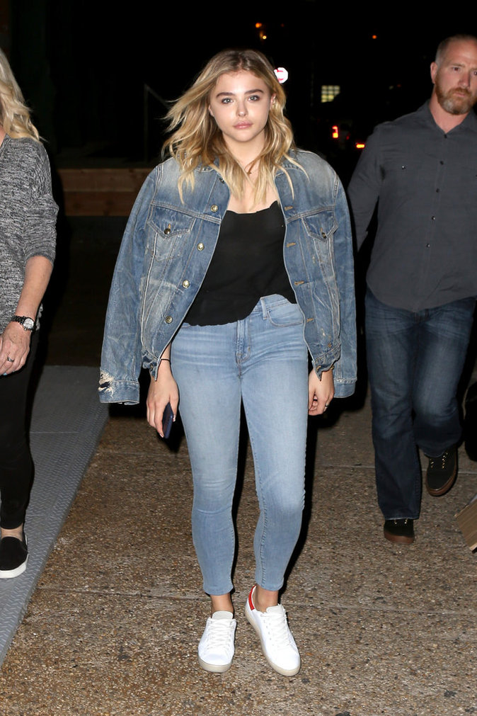 Chloe Grace Moretz et sa veste en jean