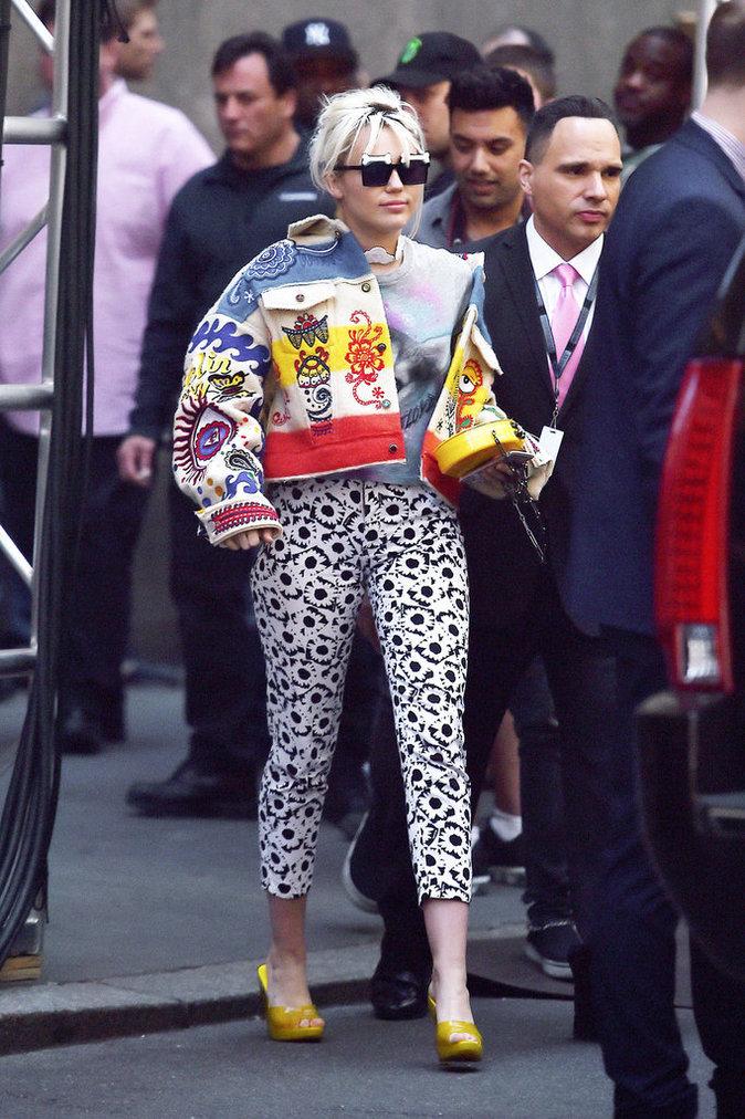 Miley Cyrus et sa veste en jean