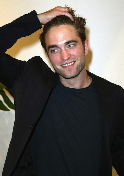 Photos : Robert Pattinson solo et maussade pendant que FKA Twigs souffre de sa célébrité !