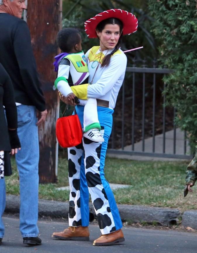 Sandra Bullock, Toluca Lake, 31 octobre 2012.