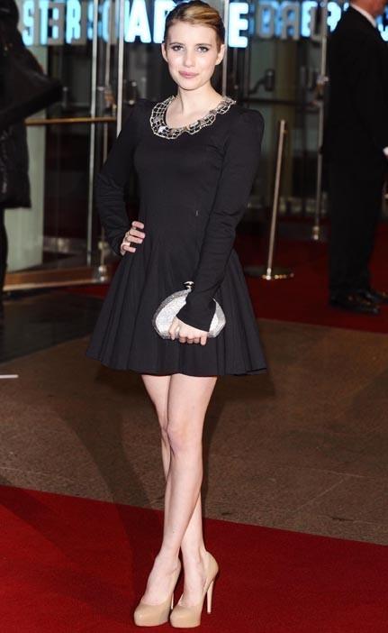 Emma Roberts, en 2010, a la chance de faire partie du casting exceptionnel de Valentine's Day...aux côtés de Julia Roberts !