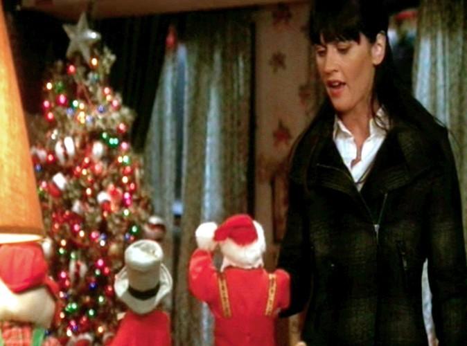 """-""""Je trouve cela dommage que les gens fêtent Noël en faisant croire à leurs enfants qu'un type obèse avec des pouvoirs magiques trimballe un sac rempli de jouets…"""""""