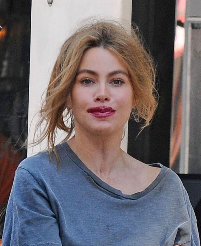 Sofia Vergara : cheveux en l'air, rouge à lèvres, découvrez la star comme vous ne l'avez jamais vu !