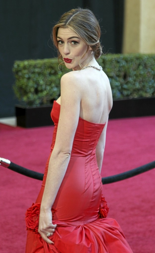 """Anne Hathaway """"Les femmes devraient essayer la sodomie plusieurs fois par semaine"""" !"""