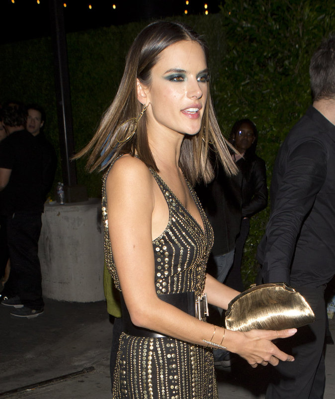 Alessandra Ambrosio, sexy à souhait à l'after party des Grammy's