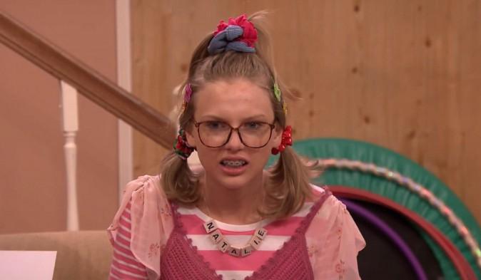Taylor Swift : découvrez Natalie, son alter-ego version geek !