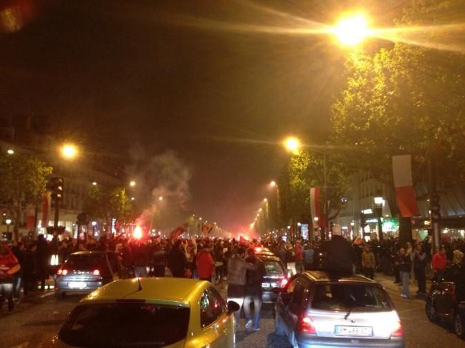 Les Champs Elysées postés par Michael Youn