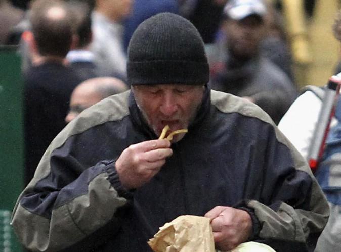 Richard Gere : une Française le prend pour un SDF et lui offre à manger !