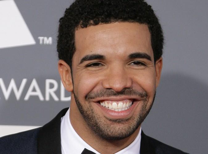 Rihanna : elle se rapproche de Drake ?
