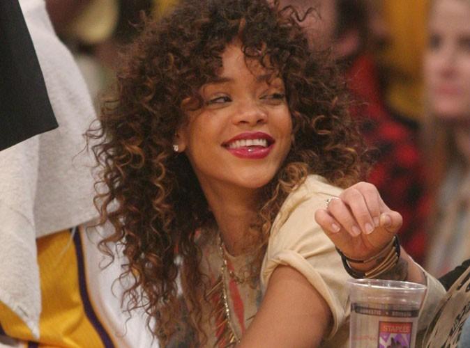 Rihanna : elle se vante de fumer du cannabis !