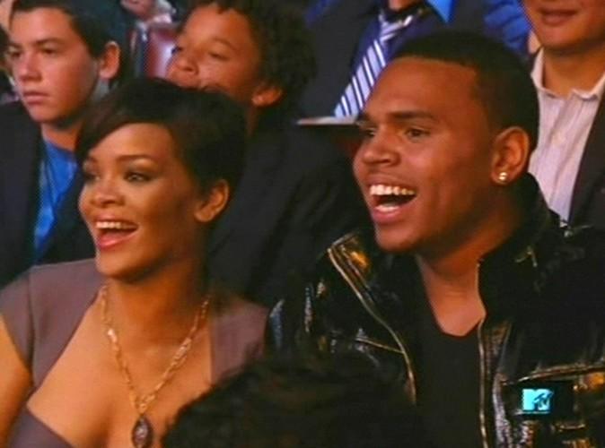 Rihanna et Chris Brown : en couple au concert de Jay-Z à Brooklyn... Découvrez les photos !
