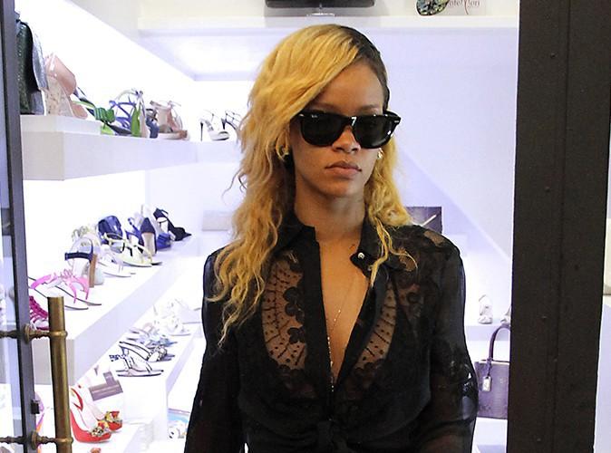 Rihanna : la chanteuse s'est affichée nue au balcon de son hôtel monégasque !