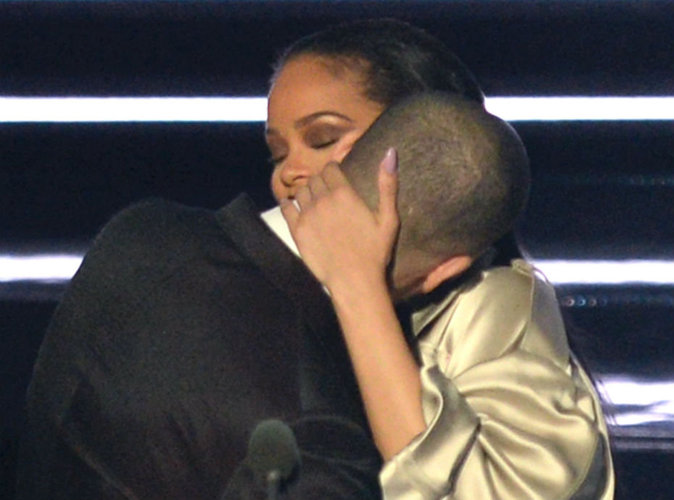 Rihanna : la preuve noir sur blanc de son amour pour Drake !