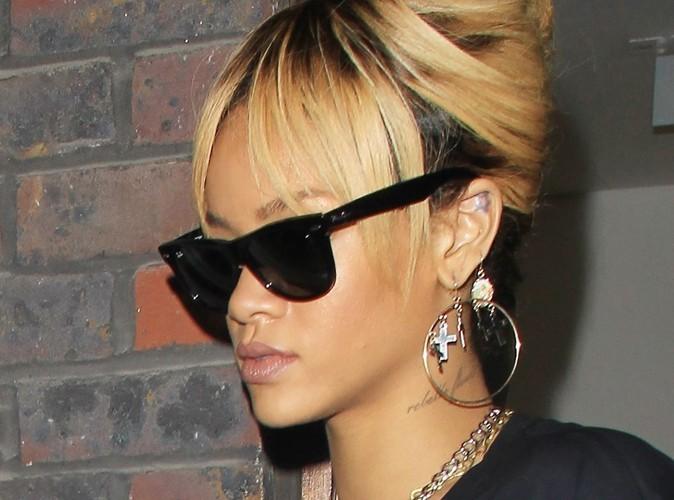 Rihanna : lâchée par son chauffeur, elle est obligée de prendre un taxi !