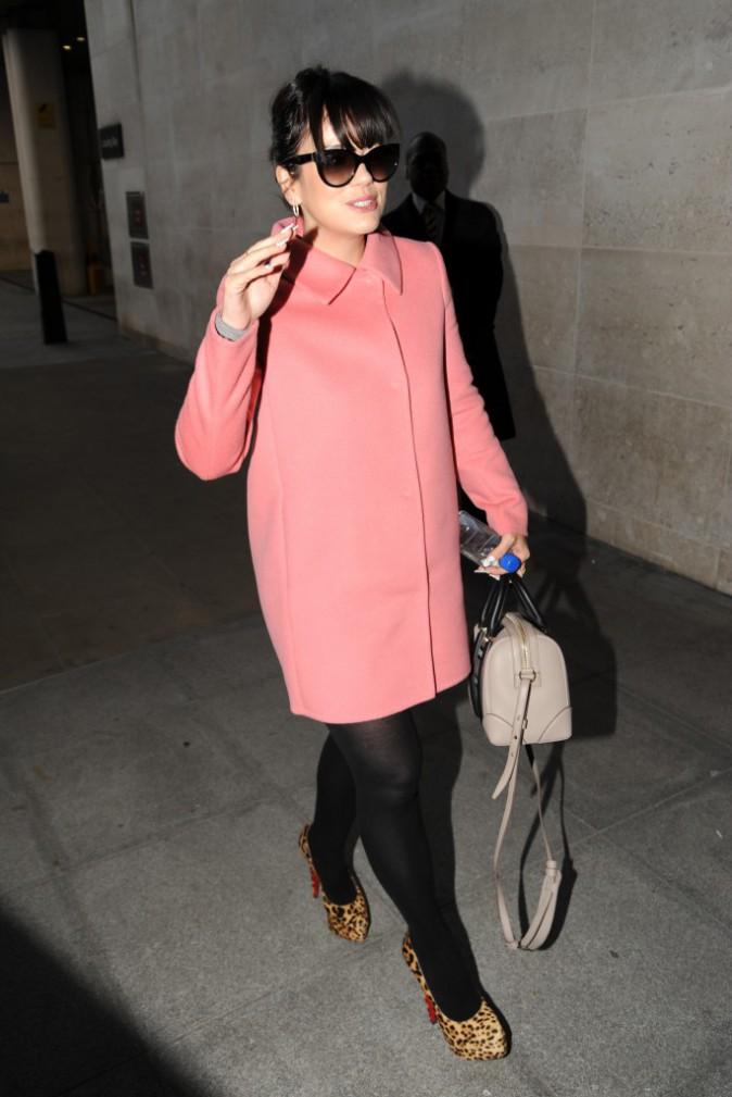 Les frileuses : Lily Allen à Londres !