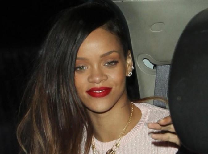 Rihanna : pas radine en pourboire quand elle sort entre friends !