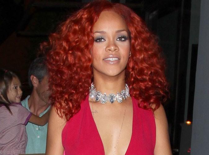 Rihanna : quand elle ne chante pas, elle aime traîner devant la télé !
