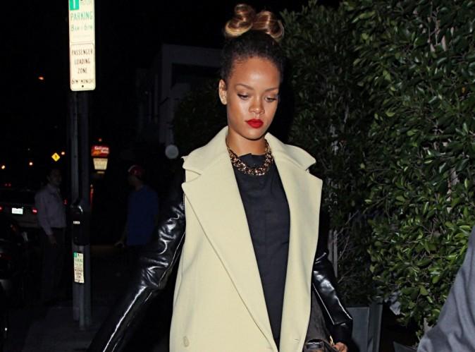 Rihanna : un vrai caméléon qui joue les blondes branchées dans les premières images du clip You Da One !