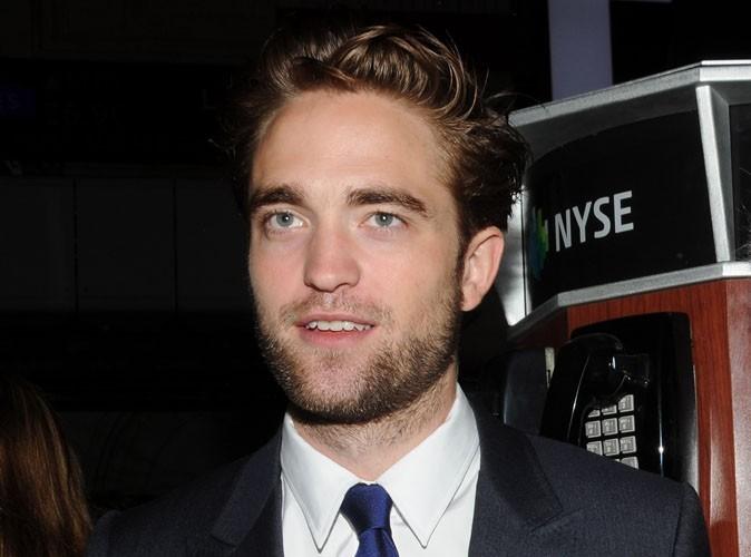 """Robert Pattinson : """"Je suis toujours sans domicile"""" !"""
