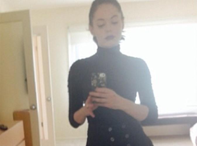 Rose McGowan : une mère Noël 100% gothique !