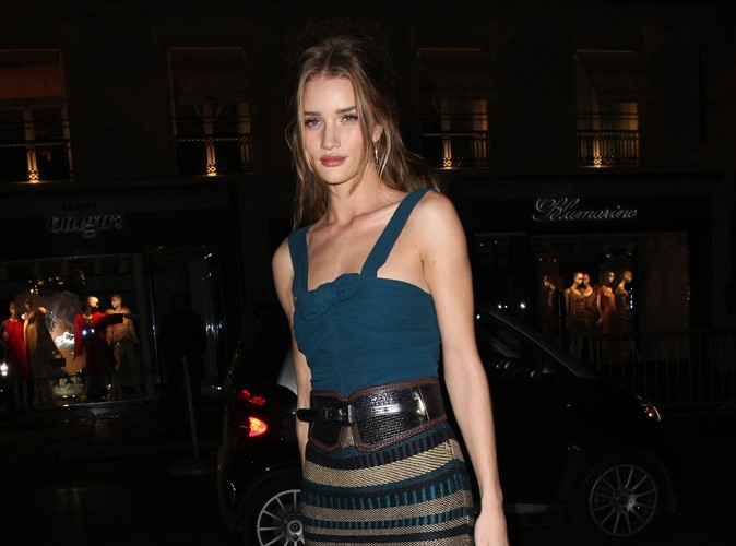 "Rosie Huntington-Whiteley : ""A 15 ans j'étais Ugly Betty!"""