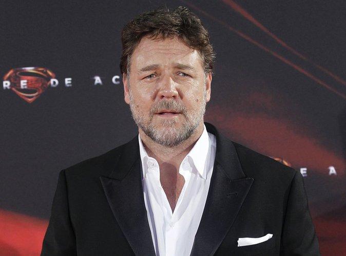 Russell Crowe : Son coup de gueule contre une compagnie aérienne !
