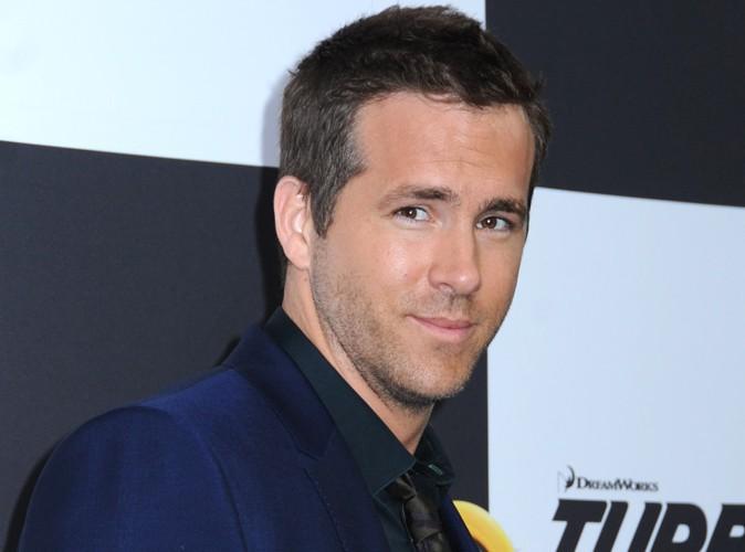 Ryan Reynolds : obligé de se déshabiller en plein vol !