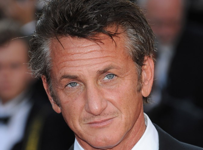 sean penn bient t 51 ans il fait toujours craquer la gente f minine avec son corps d 39 apollon. Black Bedroom Furniture Sets. Home Design Ideas