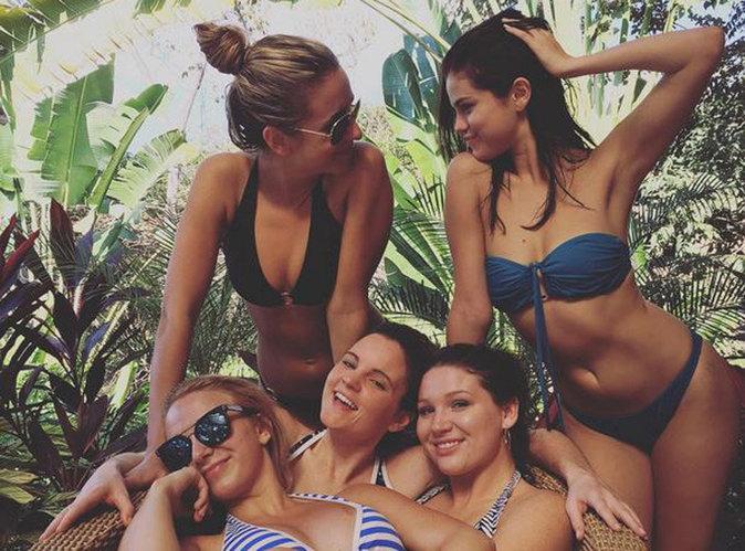 Selena Gomez : 100% hot au naturel et en bikini pour la nouvelle année !