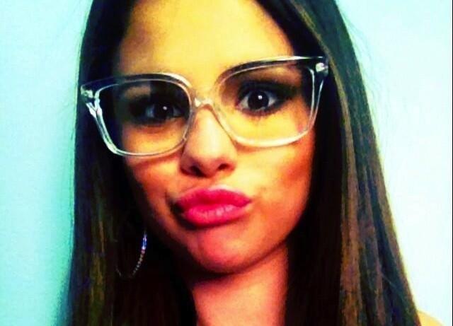 Selena Gomez se la joue comme les geeks !