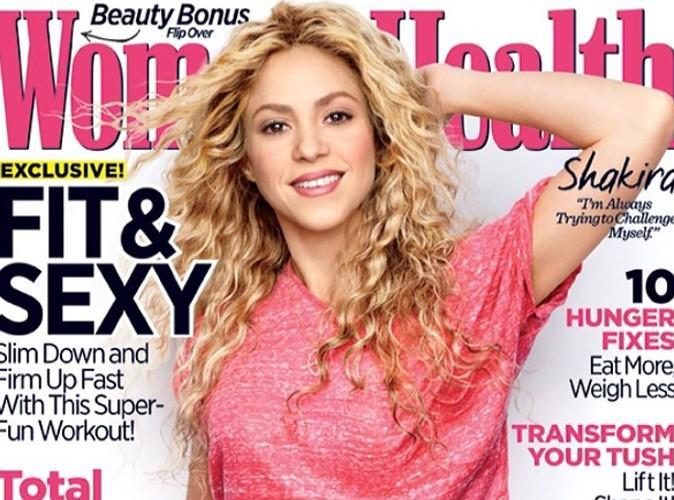 Shakira : cover girl sexy en crop top, la colombienne affiche ses abdos !