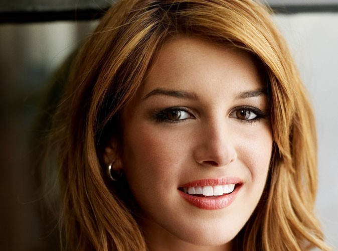 Shenae Grimes : la star de 90210 vient de se fiancer !