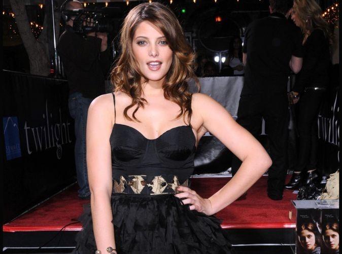 Si vous ne voulez plus de votre vieille robe de bal, cela intéresse Ashley Greene !