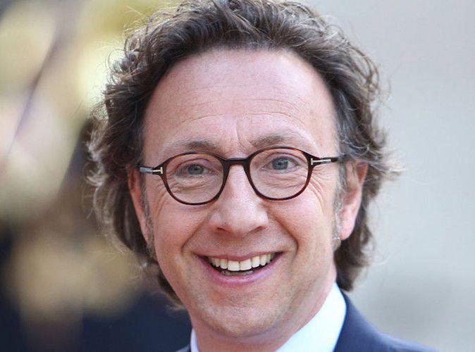 """Stéphane Bern : """"Ne m'accusez pas d'inciter les jeunes à boire"""" !"""
