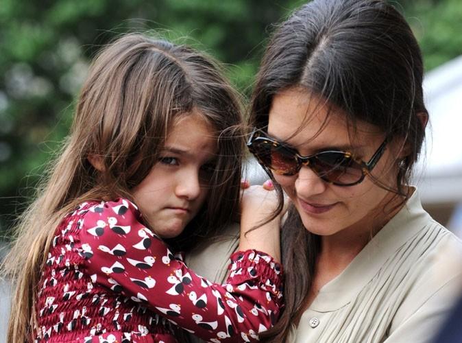 Suri Cruise : stressée et sans son papa pour son premier jour d'école !