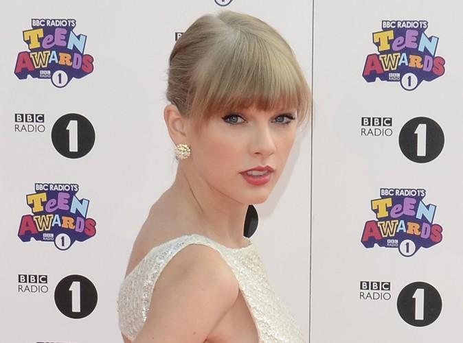 """Taylor Swift : élue """"Nez de l'année"""" !"""